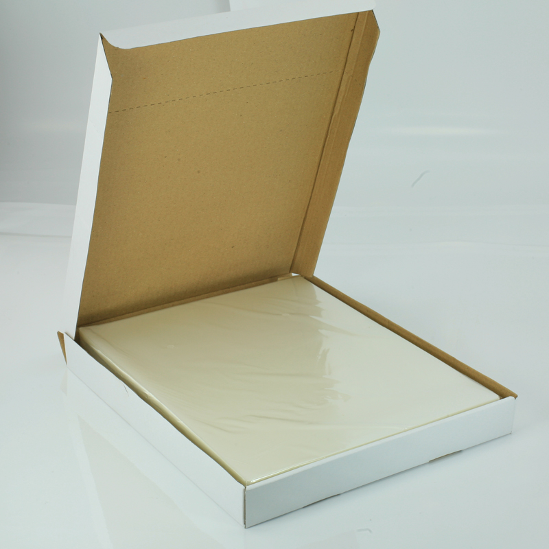 Laminating Pouches in Glossy or Satin Finishes